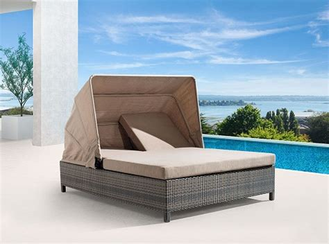 homethangs has introduced a guide to outdoor beds