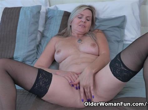 Canadian Milf Velvet Gives Her Pussy A Workout With Fingers Free Porn Videos Youporn