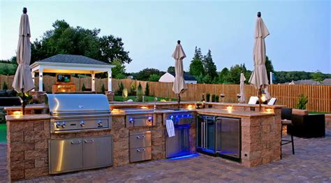 Traditional Kitchen Design Ideas - modern outdoor kitchen design quecasita