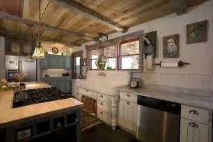 farmhouse kitchen ideas 18 farmhouse style kitchens rustic decor ideas for kitchens
