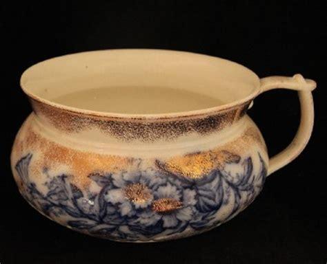 pot de chambre antique antique flow blue chamber pot by c h tunstall