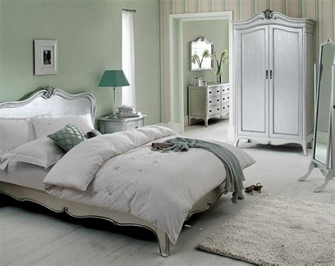 Silver Bedroom Furniture by The Glittery World Of Silver Bedroom Ideas