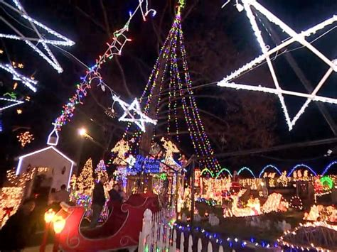 roseville christmas lights family s lights display courts controversy in connecticut town abc news