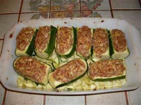 cuisiner chair saucisse faire un gratin de courgettes recette gratin de