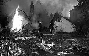 Howard Hughes injured in 1946 plane crash - Framework ...