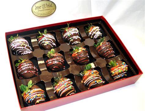 chocolate covered strawberries box