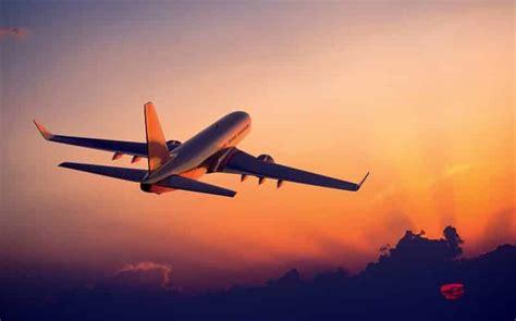 cara menentukan waktu buka puasa di pesawat