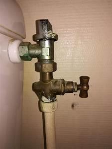 Chasse D Eau Fuit : robinet de chasse d 39 eau qui fuit ~ Dailycaller-alerts.com Idées de Décoration