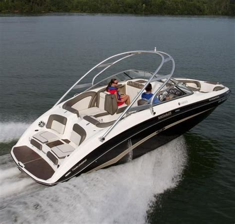 Best Bowrider Boats For The Money 2017 by Best Boat For Family Best In Travel 2018