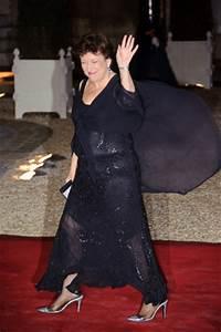le topic des images etonnantes faites pas les cons With roselyne bachelot robe transparente