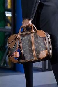 Louis Vuitton Bademantel : louis vuitton banks big on mini bags for fall 2019 purseblog ~ A.2002-acura-tl-radio.info Haus und Dekorationen