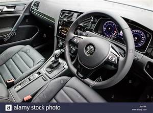 Golf 8 Interieur : hong kong china may 23 2017 volkswagen golf gt 2017 interior may stock photo royalty free ~ Medecine-chirurgie-esthetiques.com Avis de Voitures