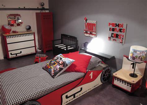 decoration cars pour chambre chambre voiture de course d co levitte