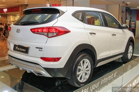 hyundai tucson 2016 white 2016 hyundai tucson white red showcased in malaysia