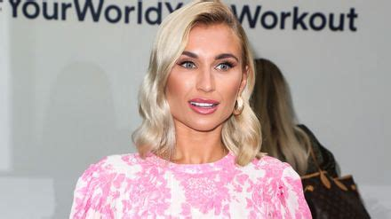 EXCLUSIVE: Billie Faiers CONFIRMS Dancing On Ice talks ...