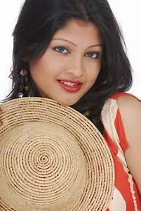 Latest Sarika hot and sexy photo gallery - Model & Actress ...