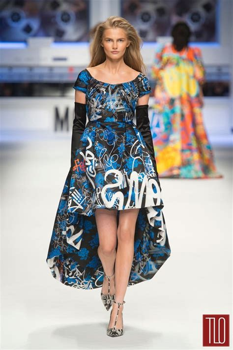 girl    dress lily collins  moschino