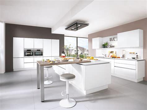 Küche In Weiß  Wohnland Breitwieser