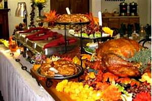 Wonderful Christmas Buffet Table Decorations Ideas
