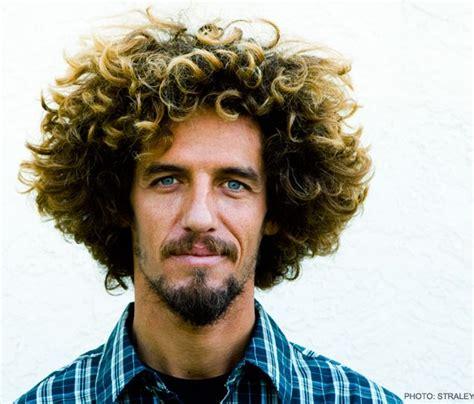 Le Top 10 des Coupes de Cheveux de Surfeurs ! - Surf Prevention
