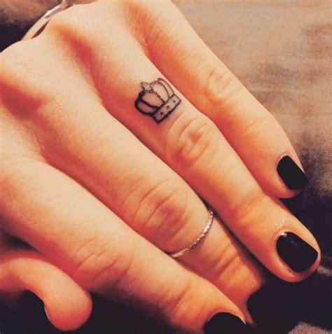 small crown tattoo ideas  pinterest crown