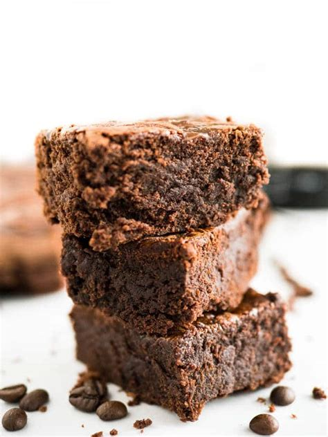 My second most favorite flavor to bake with ( after chocolate of course!) is coffee. Cold Brew Coffee Brownies | Plated Cravings