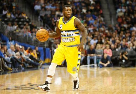 nba players play basketball  retro air jordan