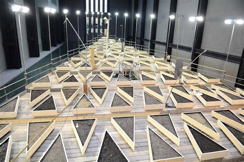 tate modern exhibitions tate modern turbine abraham cruzvillegas s new work empty lot features 23 tonnes of soil