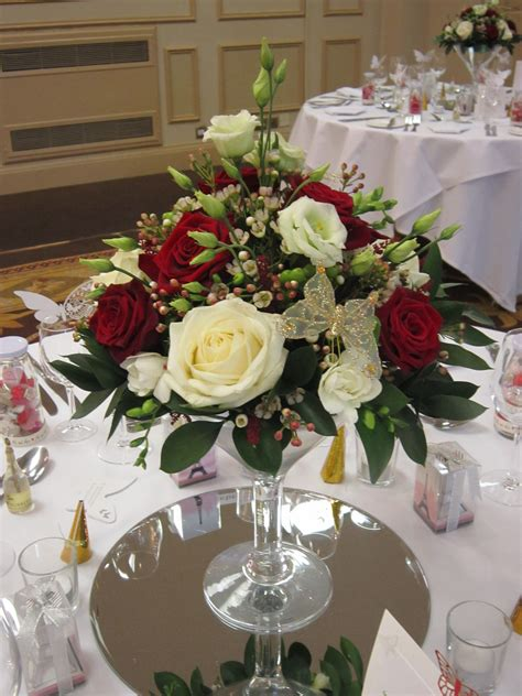 Tischgestecke In Glas by Low Martini Vase Display Centrepieces
