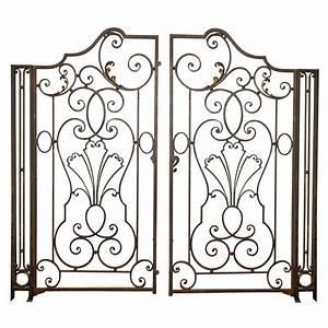 Wrought iron garden gate garden wrought iron gate french for Wrought iron garden gate