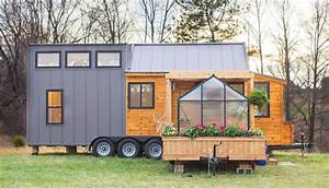 Tiny House Mobil : two part tiny house comes with its own mobile porch greenhouse video treehugger ~ Orissabook.com Haus und Dekorationen