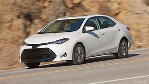 2017 Toyota Corolla LE Eco (Super White) - Front Three ...