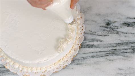 cake decorating tips flourish king arthur flour