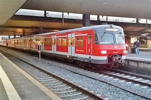 S Bahn Düsseldorf : s bahn 420 422 steht am abend von 25 september 2017 in d sseldorf hbf ~ Eleganceandgraceweddings.com Haus und Dekorationen