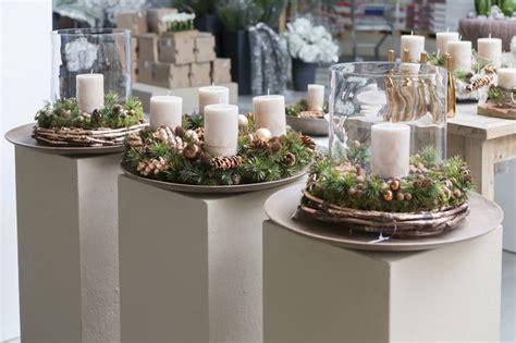 weihnachtsdeko auf holztablett 346 besten adventskr 228 nze natur bilder auf weihnachtsdekoration weihnachtszeit und