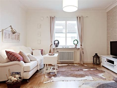 functional home staging tips   living room
