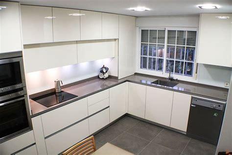 pictures of kitchen pantry cabinets muebles para todas las alturas blogs de l 237 nea 3 cocinas 7469