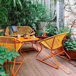 Mobilier De Jardin Fermob : banquettes de jardin et table fermob collection sixties ~ Dallasstarsshop.com Idées de Décoration