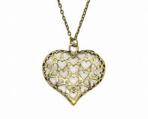 Accessoires bijoux fantaisie pourquoi acheter plus cher for Accessoires bijoux fantaisie