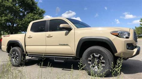 comparing  toyota tacoma trd  road  trd sport