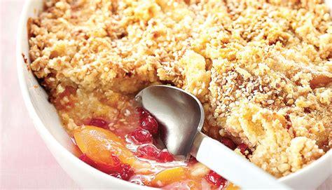 hervé cuisine crumble recette crumble aux abricots et groseilles