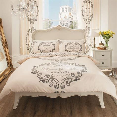 Paris Bedroom Theme For Adults by Best 20 Paris Themed Bedrooms Ideas On Pinterest