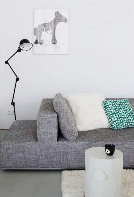 vtwonen gordijnen suede rotterdam nieuwbouw grijze bank in woonkamer home sweet