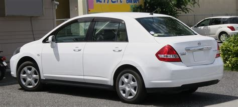 nissan tiida 2008 file 2008 nissan tiida latio rear jpg wikimedia commons