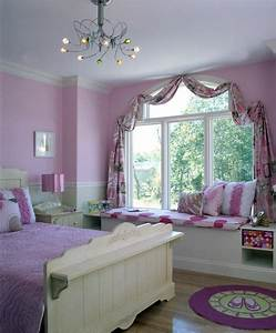 Incorporating Window Seats Into Your Bedroom Design