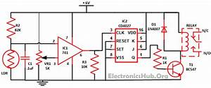 Working Of Wireless Switch Circuit Using Cd4027