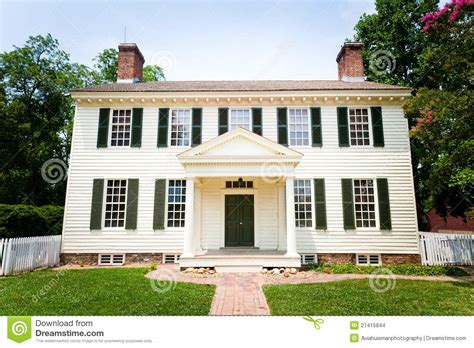 colonial style home plans grande maison coloniale blanche de type images stock