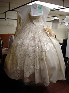 Dry cleaning wedding dress polofreelancecom for Diy wedding dress cleaning
