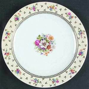 354 best beautiful plates images on pinterest mexican With best brand of paint for kitchen cabinets with blown glass plates wall art