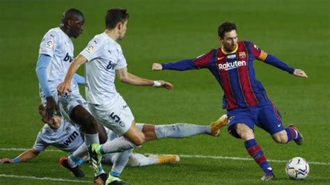 Lionel Messi equals Pele's record of 643 club goals ...